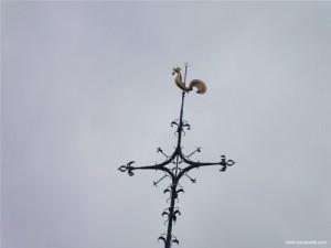 Photographie de la pointe du clocher de Solre