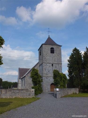 Photographie de l'église de Wallers-en-Fagne réalisée en Pierre bleues