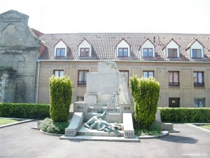 Le monument aux morts de Bergues