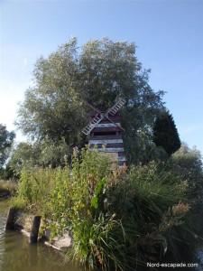 Vestige de la célèbre guinguette des marais audomarois, le Moulin-Rouge.