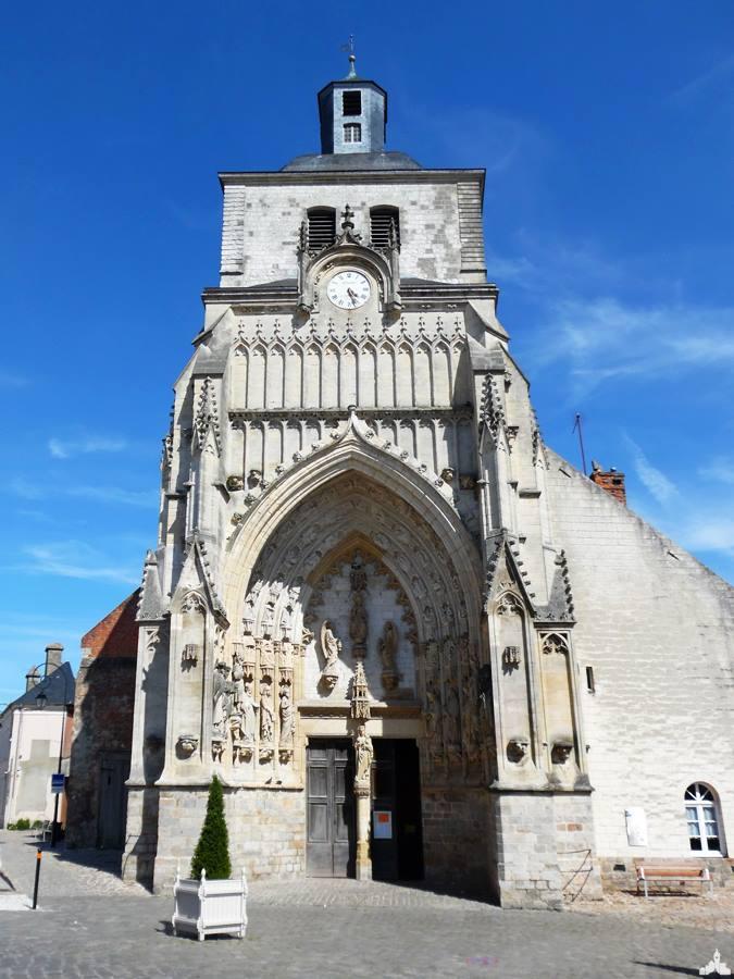 Photo image de l'église abbatiale Saint-Saulve, patrimoine de montreuil sur mer