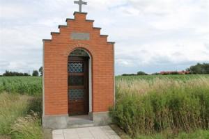 Photographie de la chapelle Decouvelaere à Houtkerque.