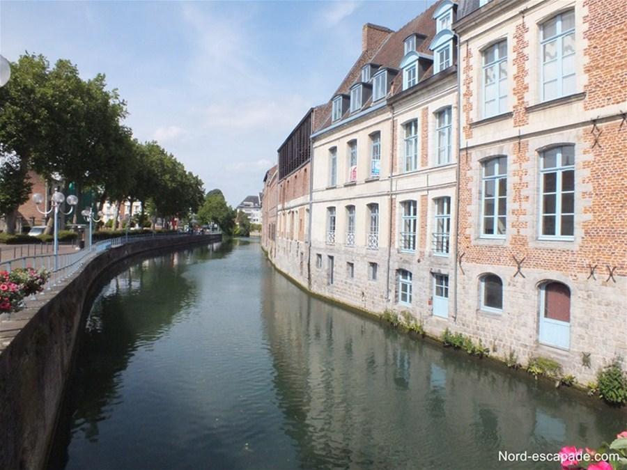Photographie de la Scarpe, fleuve traversant Douai