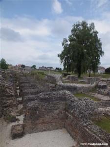Photographie du forum archéologique de Bavay, anciens thermes gallo-romains
