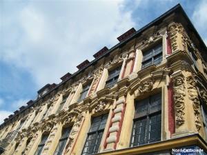 La Vieille Bourse de Lille, lieu de rencontre des bouquinistes.