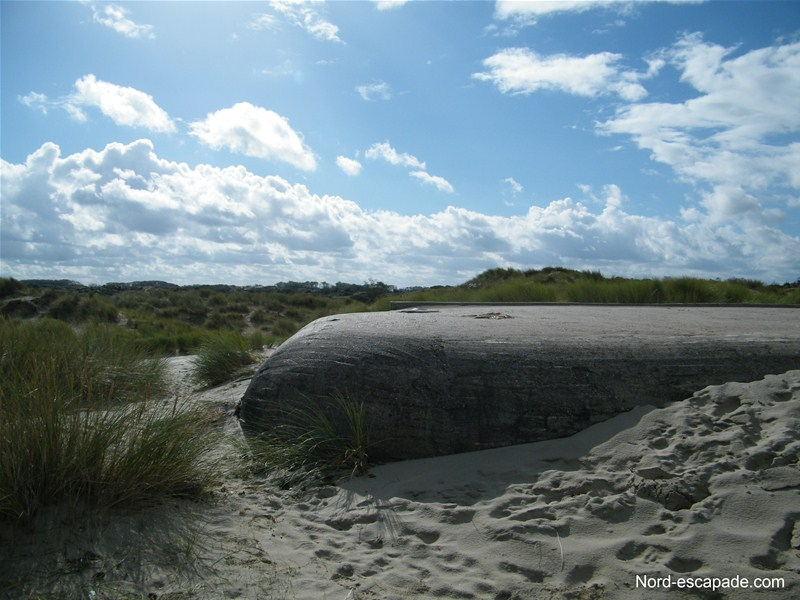 Vestiges seconde guerre mondiale sur les plages près de Dunkerque à Bray Dunes