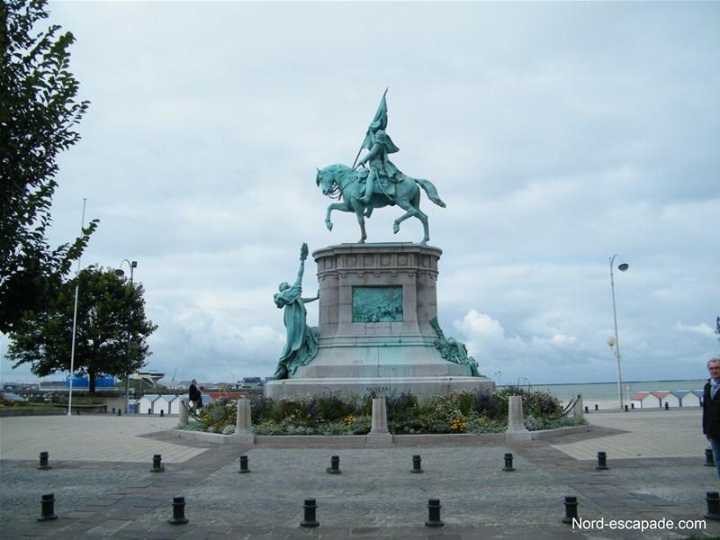 La statue Équestre du général San Martin à Boulogne-sur-Mer