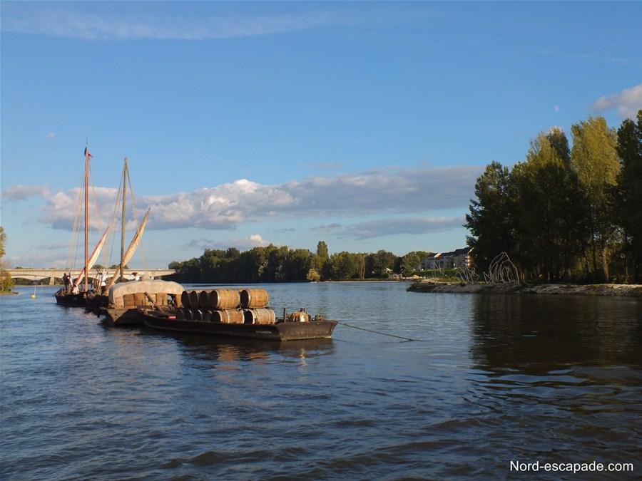 Train de bateaux sur la Loire