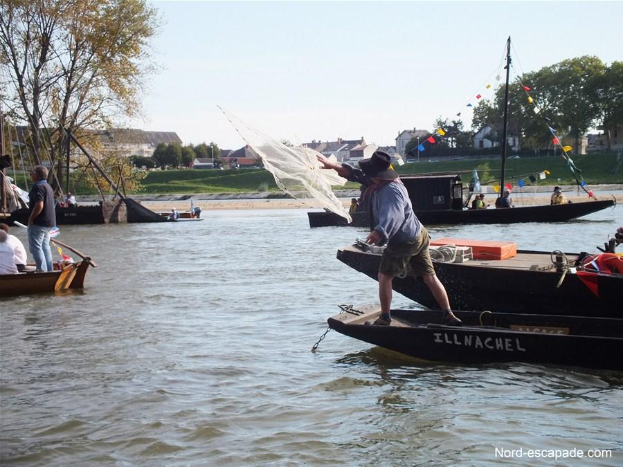 Démonstration de pêche à l'épervier - Village d'Alsace