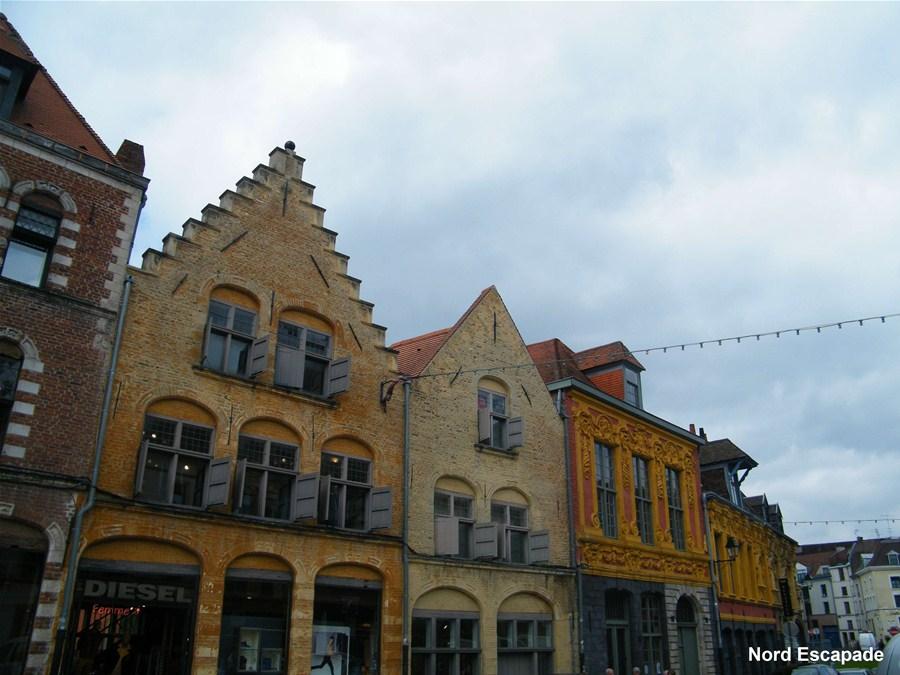 Façades flamandes dans le vieux Lille