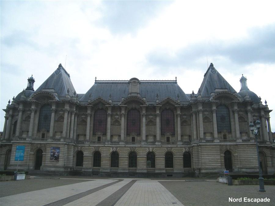 photographie du palais des beaux arts de Lille, Place de la république.