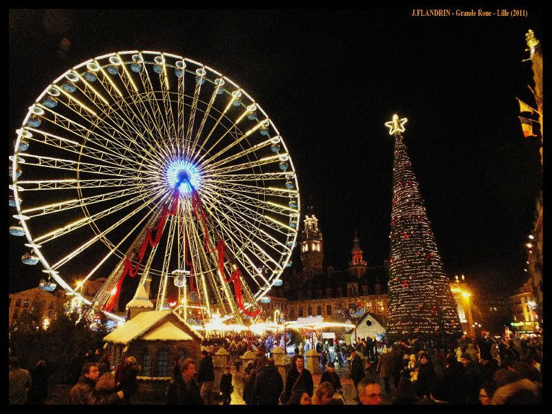 Photo-image roue panoramique de noel sur la grand place Maréchal de Gaulle à Lille