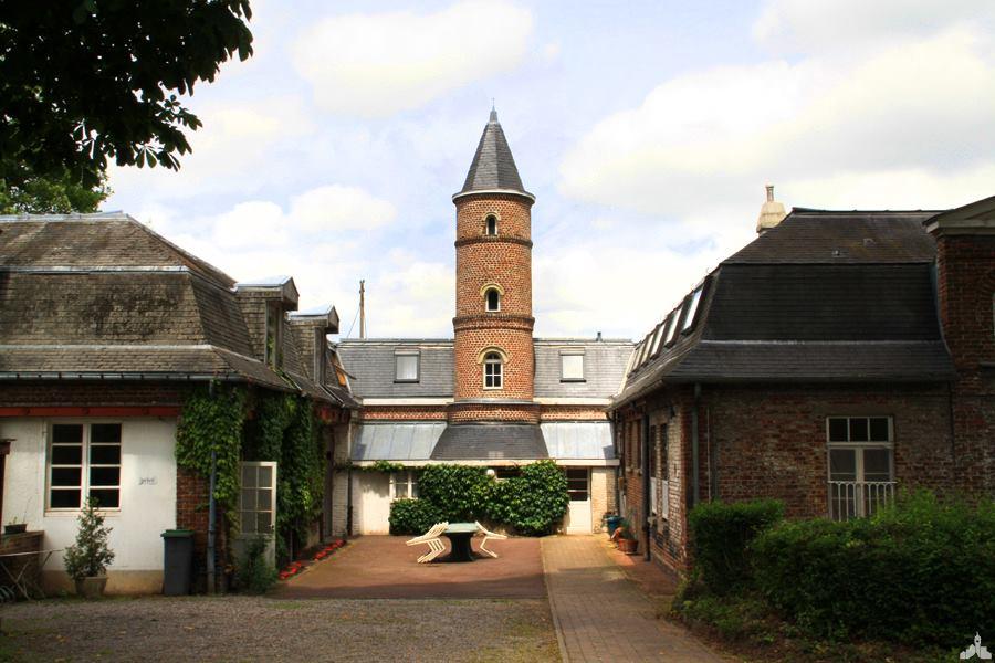 Le monastère de Bouvines