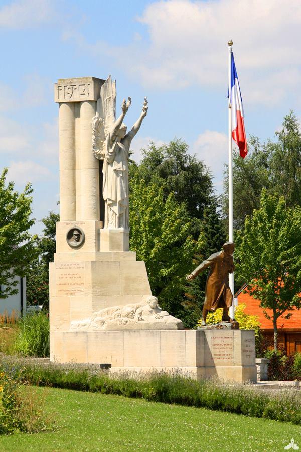 Le Monument à la gloire de la Division Barbot - Souchez