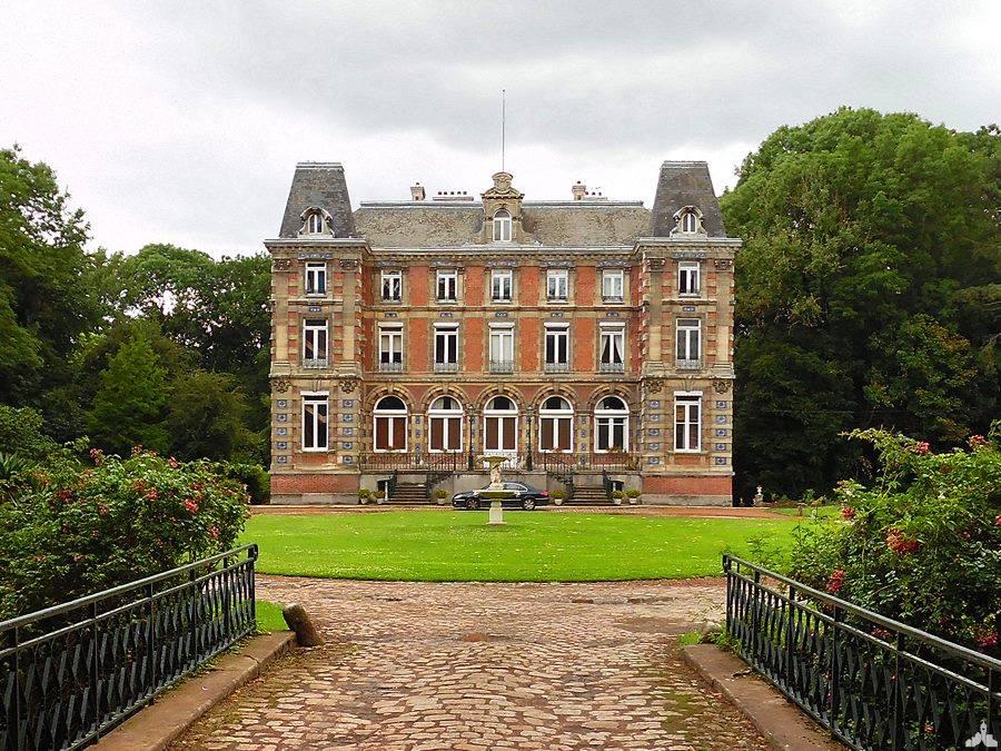 Le château d'Attiches