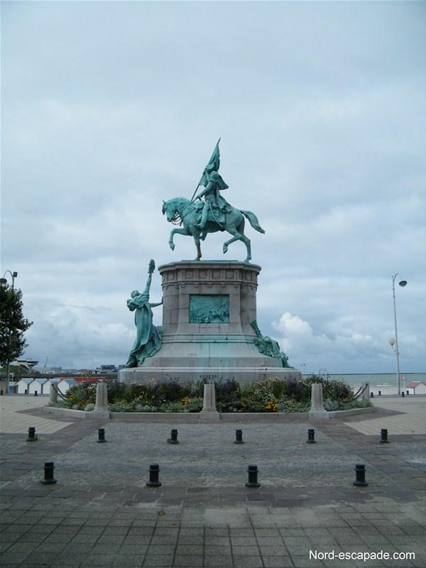 La statue de San Martin, près de Nausicaa à Boulogne sur mer