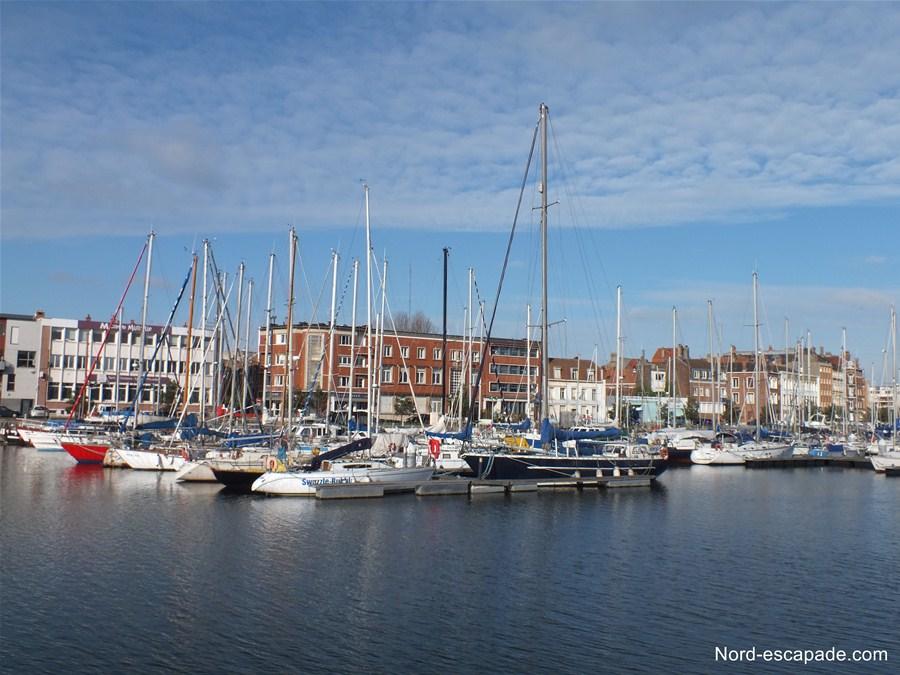 Le port de plaisance et la citadelle de Dunkerque