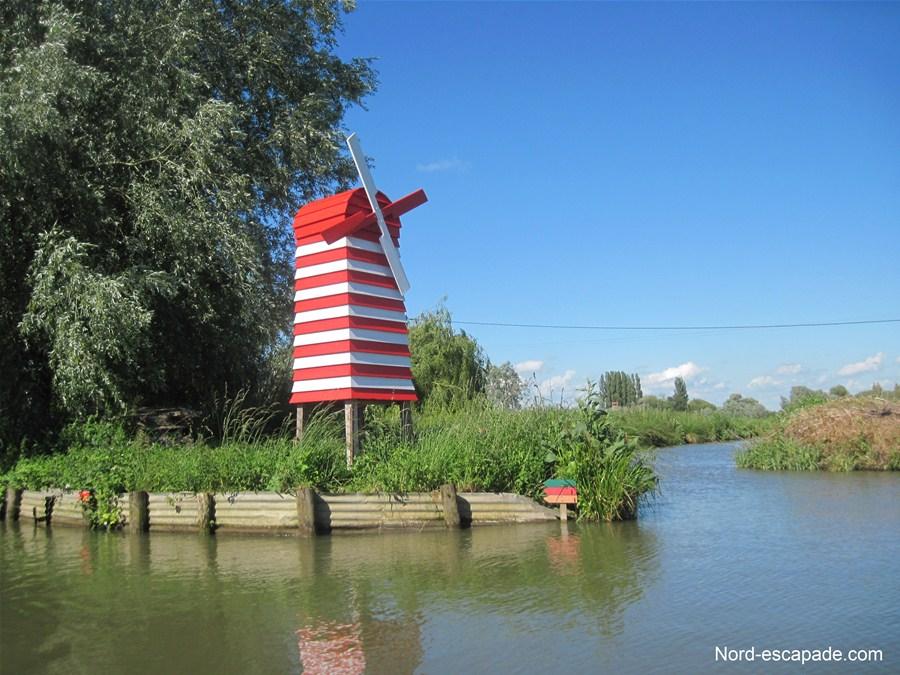 Le nouveau moulin rouge, enseigne restaurée par l'AFMA