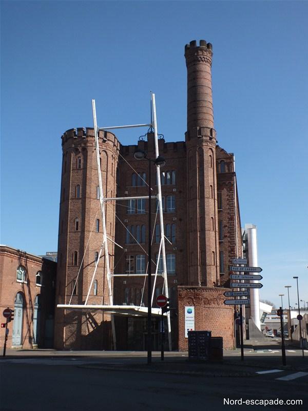 L'usine Motte Bossut abritant les archives nationales du monde du travail
