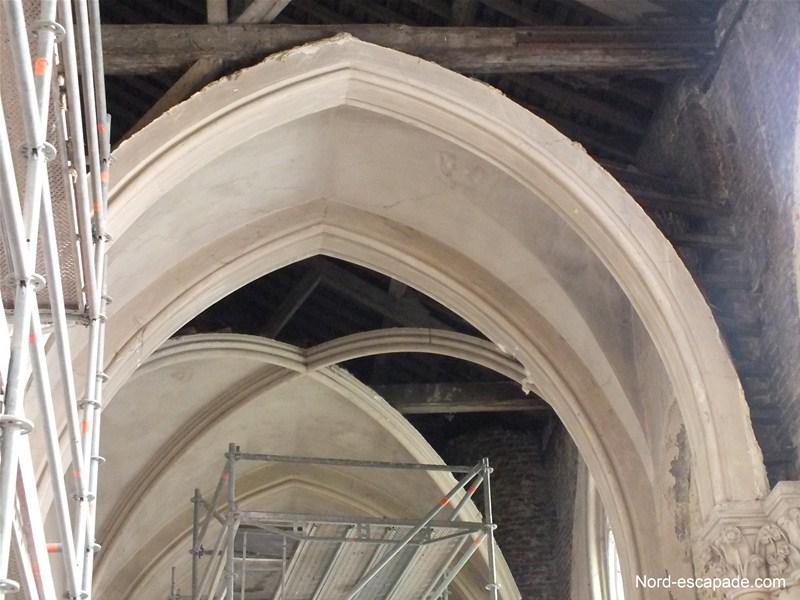 Les voutes des nefs de l'église du Haut-Pont
