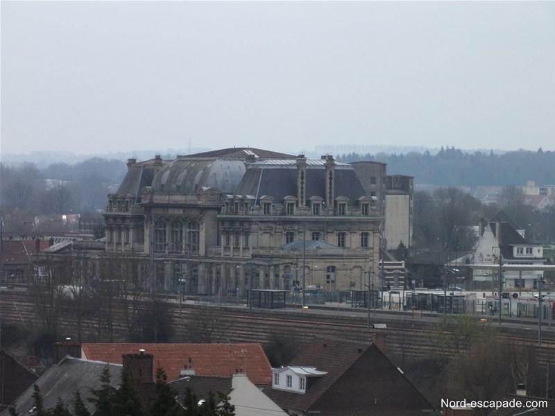 La gare de Saint-Omer, vue du clocher de l'église du Haut-Pont