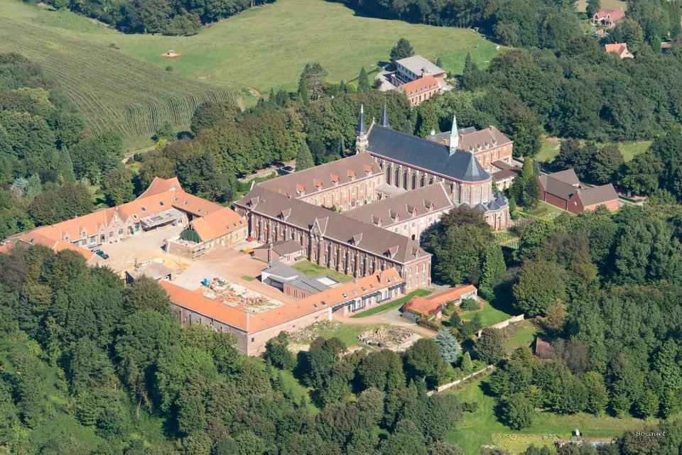 L'abbaye du Mont des cats - Godewaersvelde vu du ciel