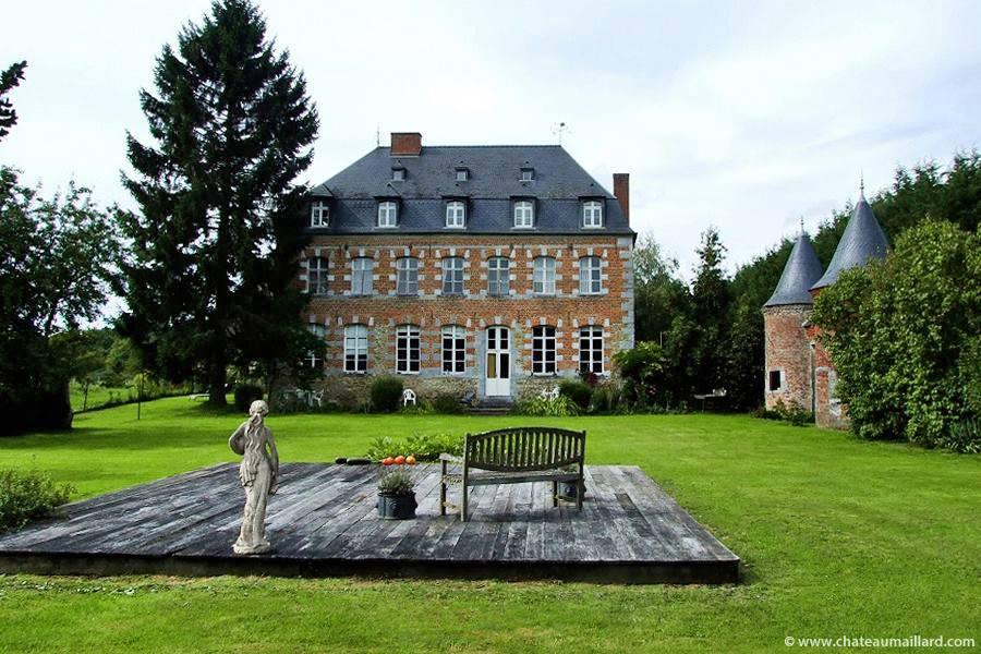 Le château Maillard à Eppe-Sauvage