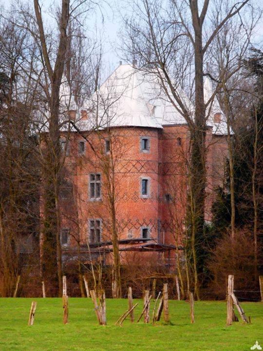 Le château du Loir à Sars-les-Rosières