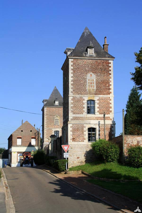 Tour du château de Busigny