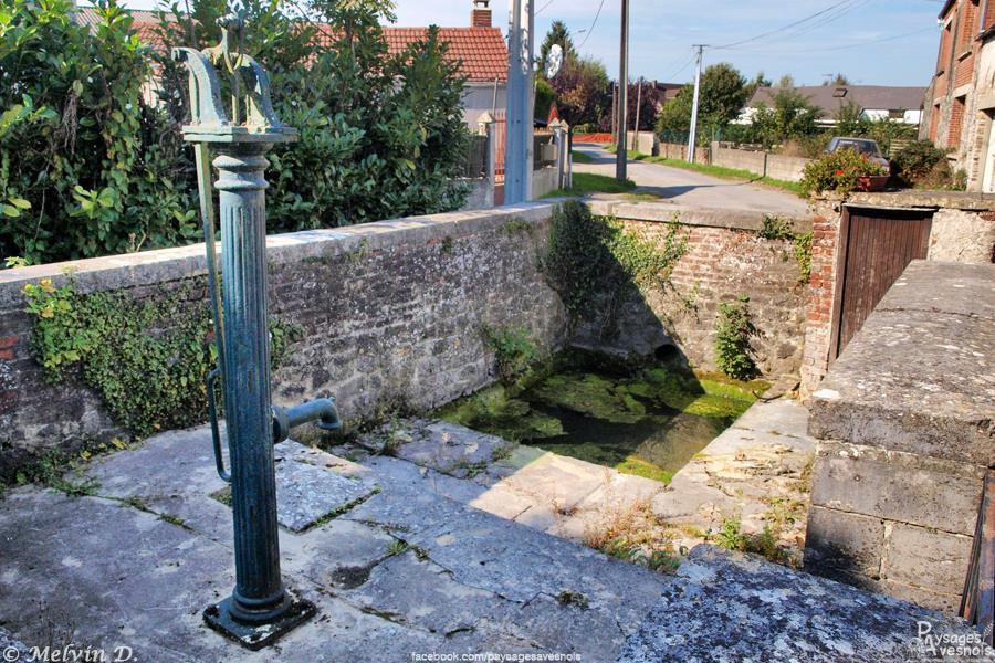La fontaine Lavoir à Aibes
