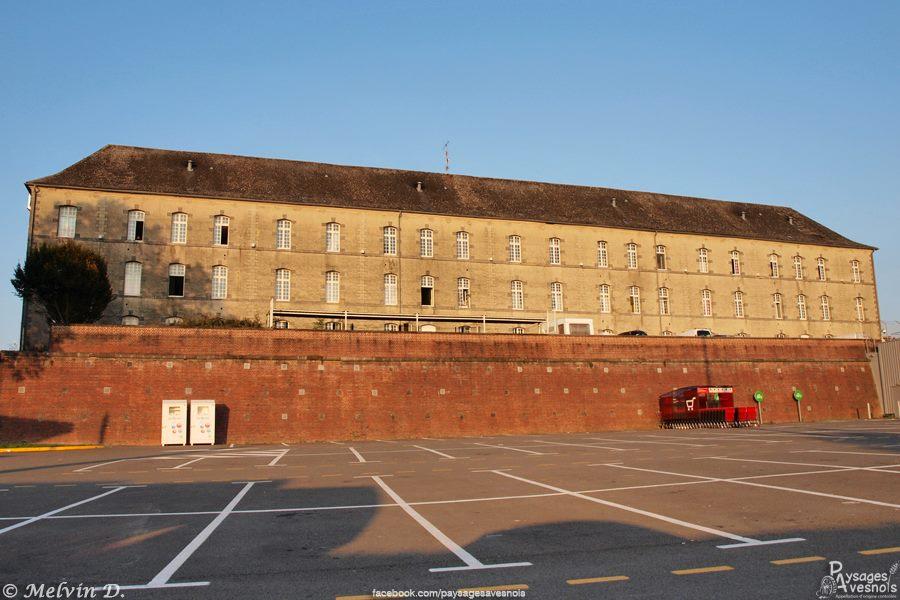 Vestige des fortifications de Landrecies et ancienne caserne