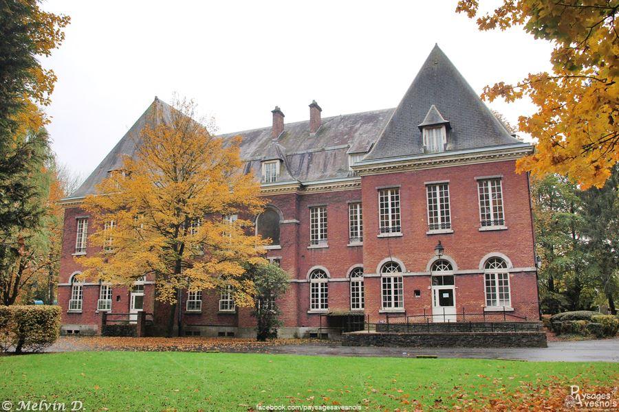 Le château de Boussois à Recquignies - Hôtel de ville de Recquignies