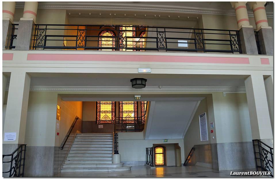 Les escaliers Arts déco des Grands bureaux de Lens