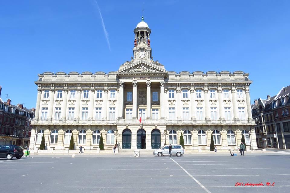 L'hôtel de ville de Cambrai et son campanile