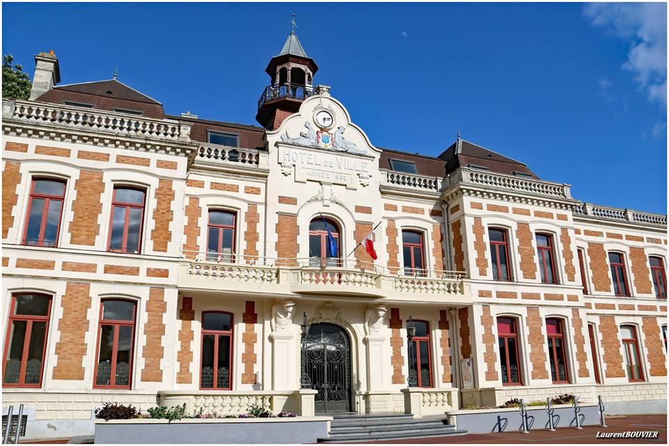 L'hôtel de ville, mairie de Carvin