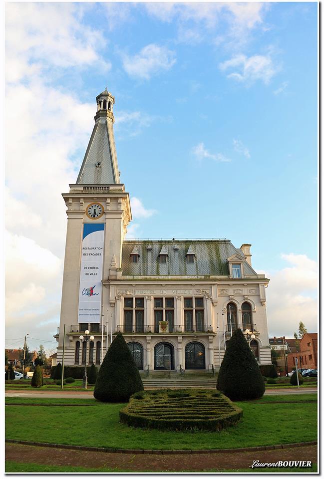 Façade de l'hôtel de ville de Liévin