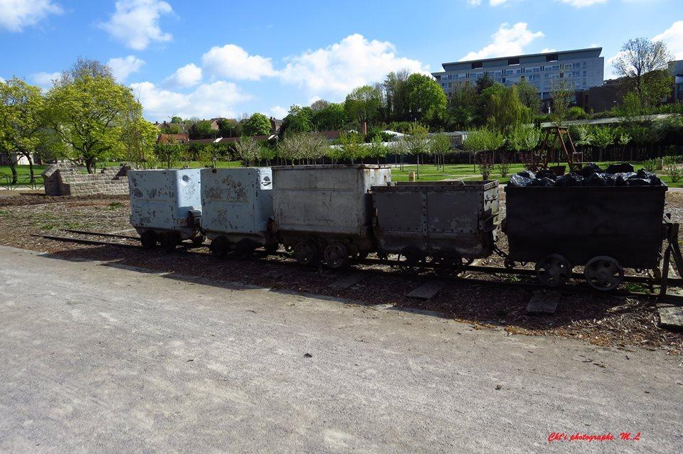 Les wagons de mines du parc de Liévin