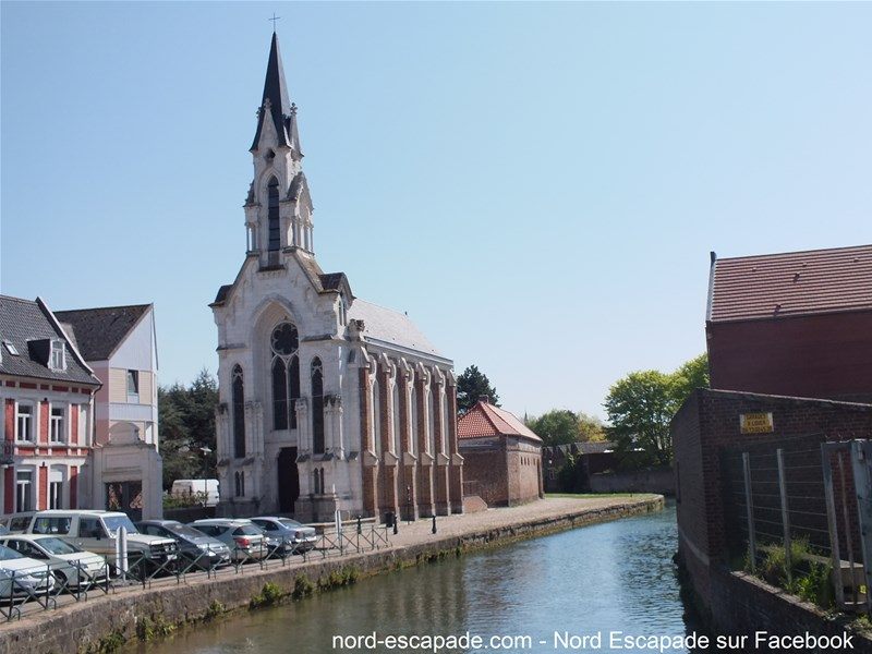 Chapelle Beaudelle à Aire, dans le centre ville au bord de la Lys