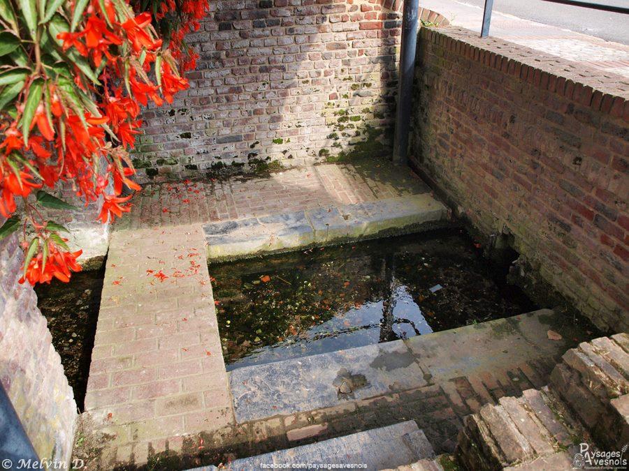 Le lavoir de la fontaine des Warennes à Poix du Nord