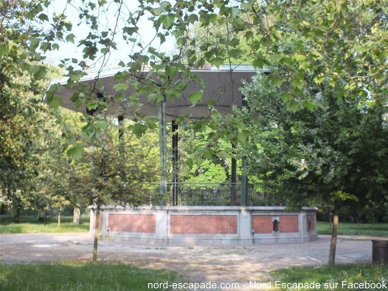 Le kiosque du parc de la marine à Dunkerque