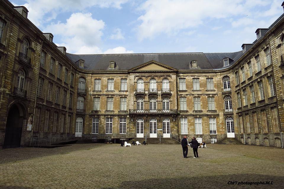 La cour du musée des beaux arts d'Arras